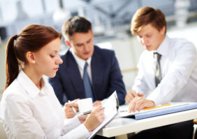Como fazer uma ata de reunião simples